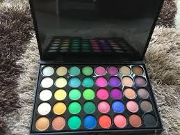 mac eyeshadow pallette at rs 1499 box