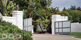 Custom Motorized Modern Driveway Gate By Dynamic Garage Door In Newport Beach Ca Modern Landscape Orange County By Dynamic Garage Door