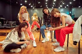 Blackpink Netflix documentary is intimate, revealing: review - Los Angeles  Times