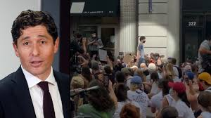 Jacob Frey booed: Protesters yell 'shame' at Minneapolis mayor for not  vowing to defund police | VIDEO - ABC13 Houston