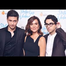 Nat Wolff, Alex Wolff and Polly Draper at the Stella's Last Weekend  Premiere. | Cute actors, Premiere, Actor