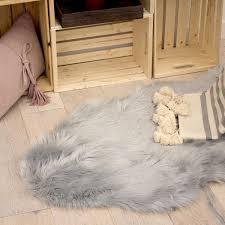 faux fur 3 x 5 area rug light grey