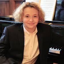 Round Hill will welcome star pianist Adam Jackson in recital on Sunday