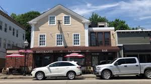 East Greenwich RI Tour with Hil -- Hilary Marshall, Remax Newport - YouTube