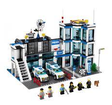 Đồ chơi LEGO CITY 7498 Đồn Cảnh Sát là đồ chơi giúp bé nhận biết ...