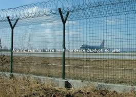 Hot Dipped Barbed Wire Security Fence