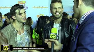 Adam Hagenbuch and John Brotherton of Fuller House // 2017 Kids' Choice  Awards - YouTube