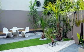 small contemporary london garden