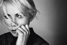 Coupe Sophie Davant est tendance pour la femme moderne