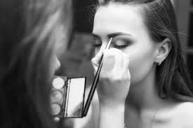 bee a professional makeup artist for
