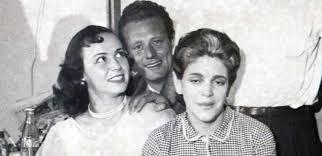 Homenaje a Adriana Roel por seis décadas en el escenario
