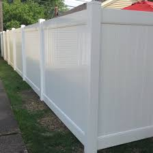 Vinyl Privacy Fence Not All Vinyl Fences Are Equal In Quality For Best Quality Make Sure You Get A 2 Vinyl Privacy Fence Vinyl Fence Vinyl Fence Landscaping