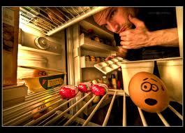 معرض مضحك رسم وجوه تعبيرية على البيض Photo Bictur