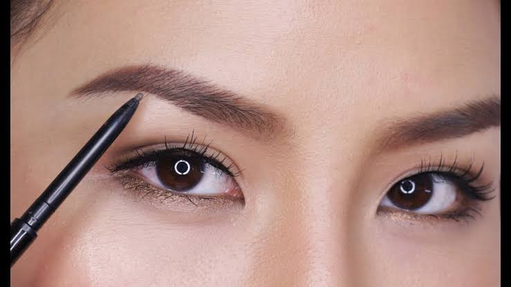 Makeup Alis