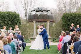 a spring blooms wedding at green bay