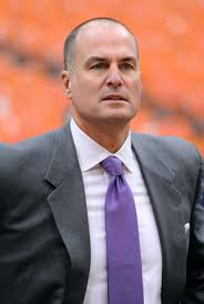 Jay Bilas calls NCAA's proposal to pay athletes a bluff and joke