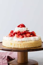strawberry shortcake cake baked by an