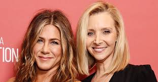 Jennifer Aniston and Lisa Kudrow Say They Watch Friends Bloopers