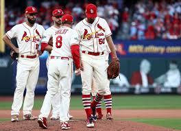 Should the St. Louis Cardinals bring back Adam Wainwright?