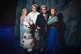 Josh Gad Visits His Extended Frozen Family on Broadway | TheaterMania