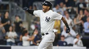 Aaron Hicks signs 7-year extension with Yankees - ABC7 New York
