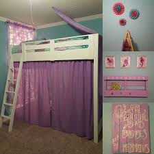 Diy Mermaid Inspired Little Girls Room We Made The Bed From The Plans By Anna White Diy Pallet Picture And Bo Mermaid Themed Bedroom Girl Room Girls Room Diy