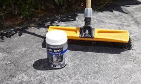 how to paint a concrete driveway