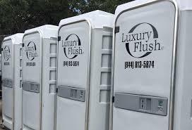 porta potty als portable toilets