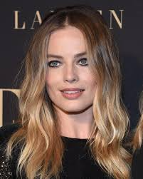margot robbie s hairstyles over the years