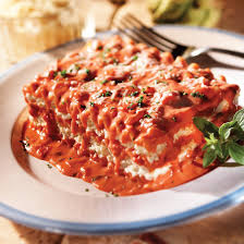 Meat Lasagna Recipe with Creamy Pink ...