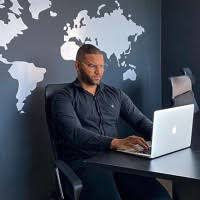Aaron Landon - Financial Analyst - NYSE | LinkedIn