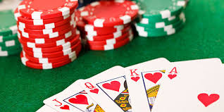 Top Reasons of Playing Online Poker or in Live Casino – Banana Chips