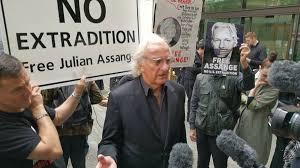 Award-Winning Journo John Pilger Lambasts Media Over Its Coverage of Julian Assange - Sputnik International
