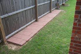 Pin By Martha Dehoop On Puppy Love Dog Backyard Dog Run Fence Diy Dog Fence