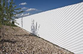 Chain Link Fence With Privacy Fence Slats Decorative Fencing Exterieur Annuaire