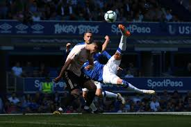 Everton vs Manchester United: Live Blog