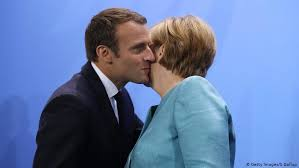 international kissing day french