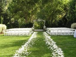 beautiful outdoor wedding decor