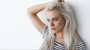 Platynowy Blond Odchodzi Do Lamusa Zastapi Go Kolor Ktory