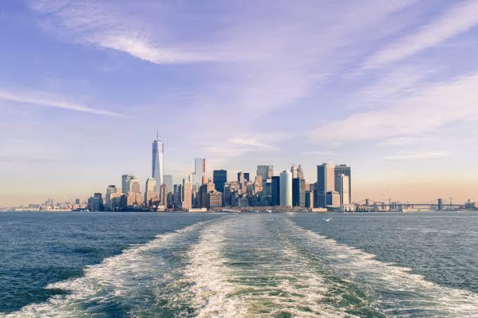 NYC Attractions  Images?q=tbn%3AANd9GcQjDoyd0GkNkFahHlvQm1PFwwGU1-0_8u_7VyNvs-RUrunC9LQT