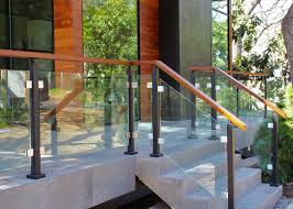 choose the best glass railing system