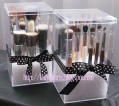 dust free makeup brushes made with
