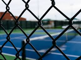 Black Chain Link Fence With Vinyl Coating Resistant To Rust Corrosion