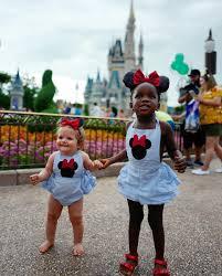 Thomas Rhett Daughters Go to Disney World | Southern Living