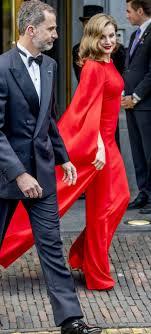 Letizia Ortiz Una Espectacular Mujer De Rojo
