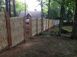 Even On Land Uneven Ground It Is Possible To Achieve Great Things With The Willow Fences Thegreenbarrier Fence Backyard Privacy Kesehatan