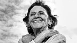 Laura Cardoso diz que gosta mais de ser chamada de inteligente que de  bonita - Laura Cardoso - Dia Internacional da Mulher - Folha de S.Paulo