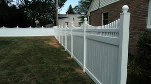 White Vinyl Privacy Fence With A Scalloped Victorian Picket Top And Ball Caps Vinyl Privacy Fence Good Neighbor Fence Privacy Fence Panels