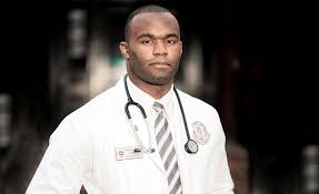 Former NFL Player Myron Rolle Is Now A Doctor Fighting COVID-19