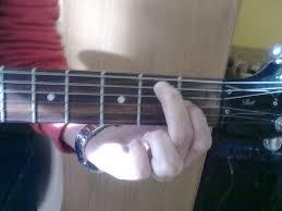 File:Mi7 accordo E7 chord guitar.jpg - Wikiversità